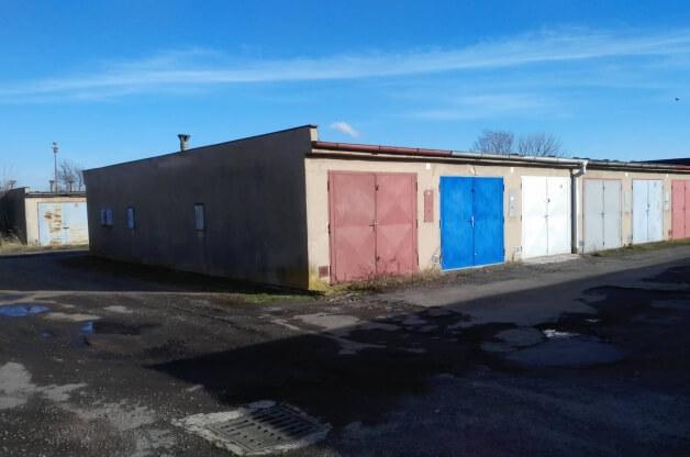 Řadová garáž